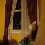 nächtlicher Blick aus dem Fenster