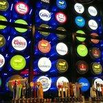 Mycket bra pub med mer än 300 sorters öl