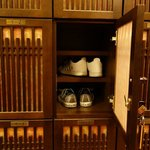 Shoe locker