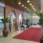 Shagri La Edsa Hotel entrance