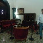Muebles y cuadros antiguos