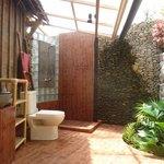 Une des salles de bain du Pavillon