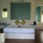 Beautiful king bed with small gift on arrival