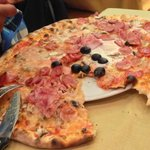 Per capire quanto sono grandi le pizze...