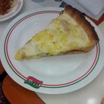 pizza w/white sauce