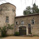 """La suite """"Tour du guet est dans la tour gauche du Château d'Igé"""