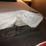 bed with 2 mattresses - to avoid!!!!