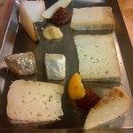maravillosa tabla de quesos artesanales de la zona