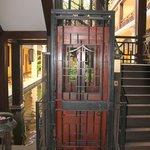 Ein Original Lift aus denm vorletzen Jahrhundert Schöööön