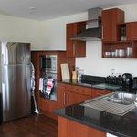 15 Merchant Exchange, Riverside Apartment - Kitchen