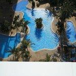 balcolny pool view
