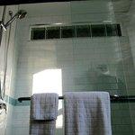 Deluxe Shower in both Suites