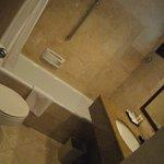 2 Bedroom Suite (Bathroom)