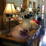 Hats, mirrors, flowers...