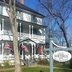 Waverly Inn front of house