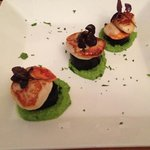 scallops, black pudding and pee purée