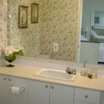 Private bathroom in Orchard Suite