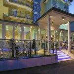 Hotel Leoni in serata
