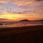 tramonto dalla spiaggia..