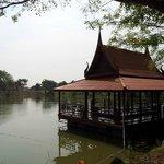 floating pavilion for meditation