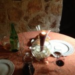 Tavolo nel trullo