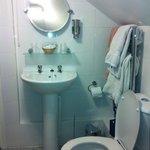 fantastically clean bathroom