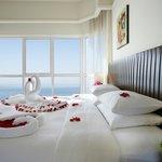 Honeymooner Suite
