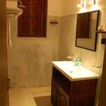Good and clean bath room