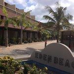 Entré Eden Beach