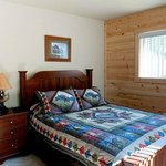 Pine Point Lodge 12 person cabin bedroom