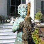 Burbling fountain