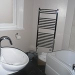 Superior Double - Nice bathroom with BIG bath towels...