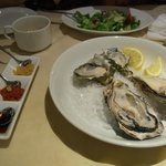 special raw oyster plate
