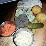 the vegetarian platter for 1