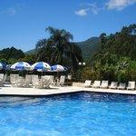 Piscina climatizada com toboagua, piscina aquecida coberta e piscina infantil