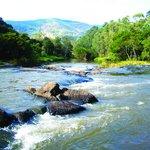 Corredeiras do Rio Jaguary. Apropriado para a prática de Raffiting