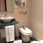 bathroom, las almenas