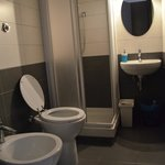 BATHROOMS - VERY CLEAN & HOTWATER ANYTIME