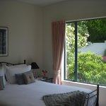 Foto de Pacific View Paradise Bed & Breakfast