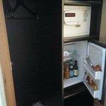冷蔵庫の中身は有料ですが(ソフトドリンクが3ユーロ、アルコールが6ユーロ以上)ですが充実してます