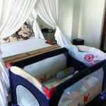 King bed & bb cot