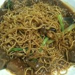 Braised brisket with fried noodle