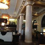 the breakfast & bar area