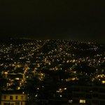 Espectacular vista a la ciudad de Valparaíso, desde una de las habitaciones del Hostal!!
