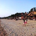 Khlong Nin beach late afternoon