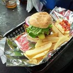 1lb Arnie burger grilled to perfecto
