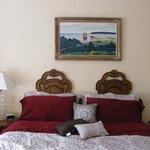 grand lit de la chambre Frontenac