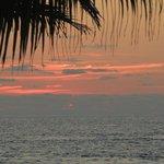 Crépuscule depuis la plage de playa blanca