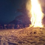 Tion beach bon fire