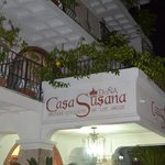The entrance to Casa Dona Susana at night